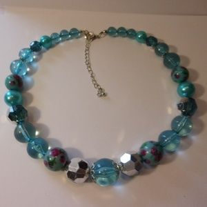 """Jewelry - Chunky Blue Bead Necklace 18"""" - 22"""" L"""